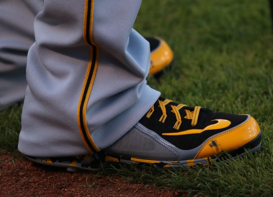 andrew-mccutchen-swingman-cleats