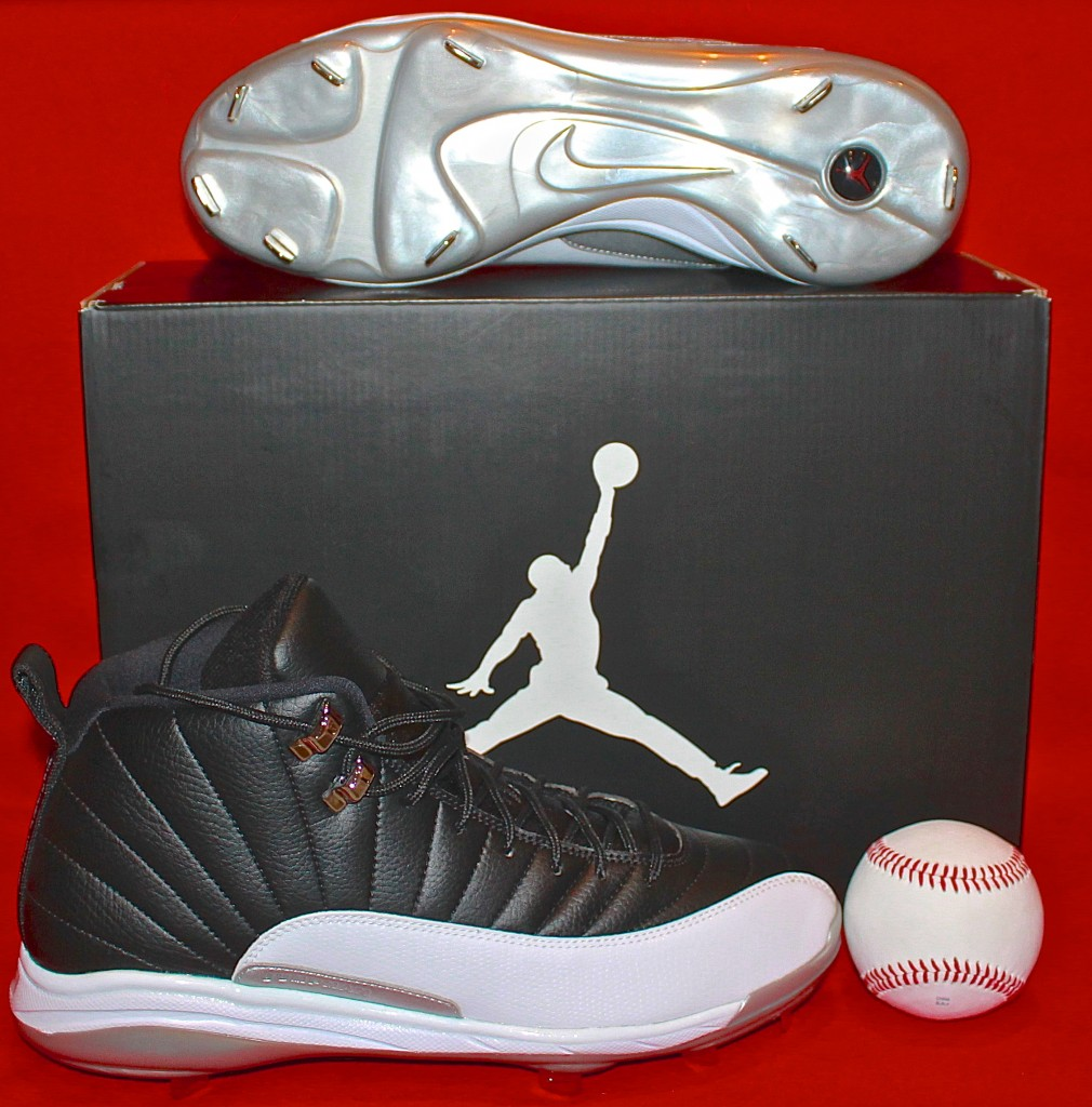 Jordan molded baseball cleats