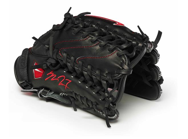 mike trout glove