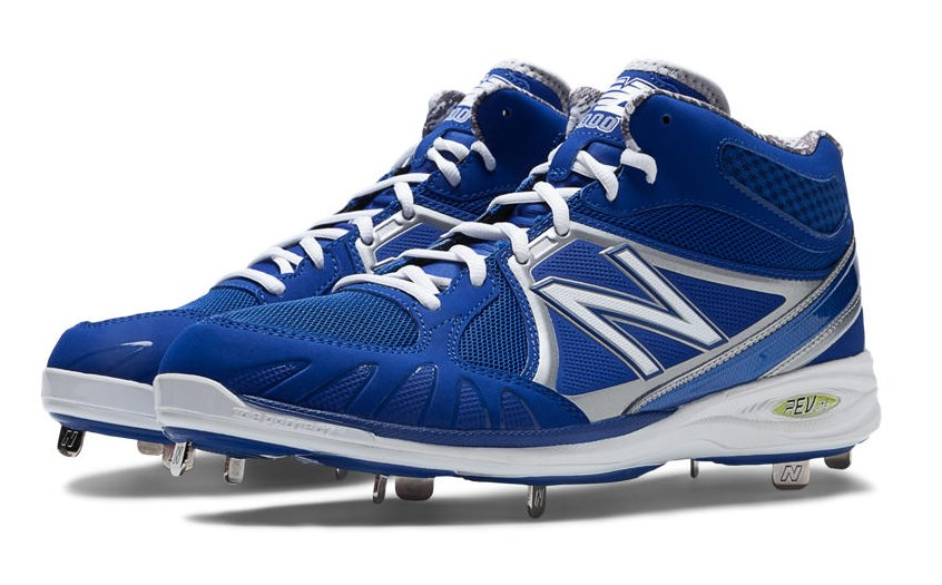 What Pros Wear Salvador Perez' New Balance 3000 Cleats ...