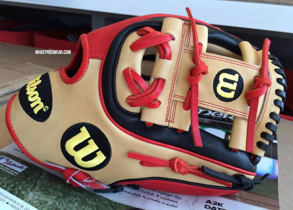Brandon Phillips' Wilson A2K DATDUDE 2015