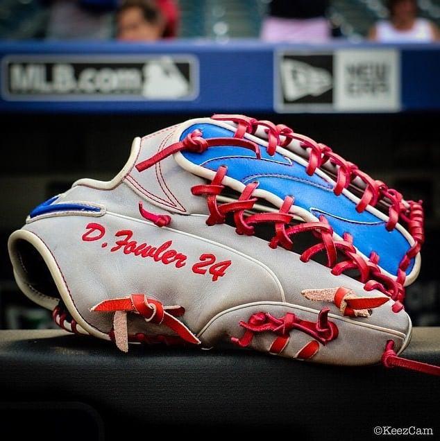 dexter-fowler-glove