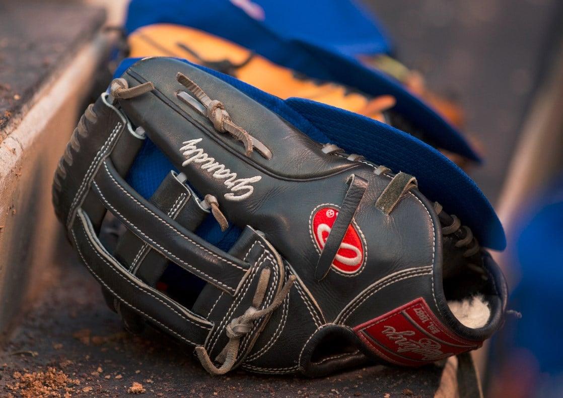 curtis-granderson-glove