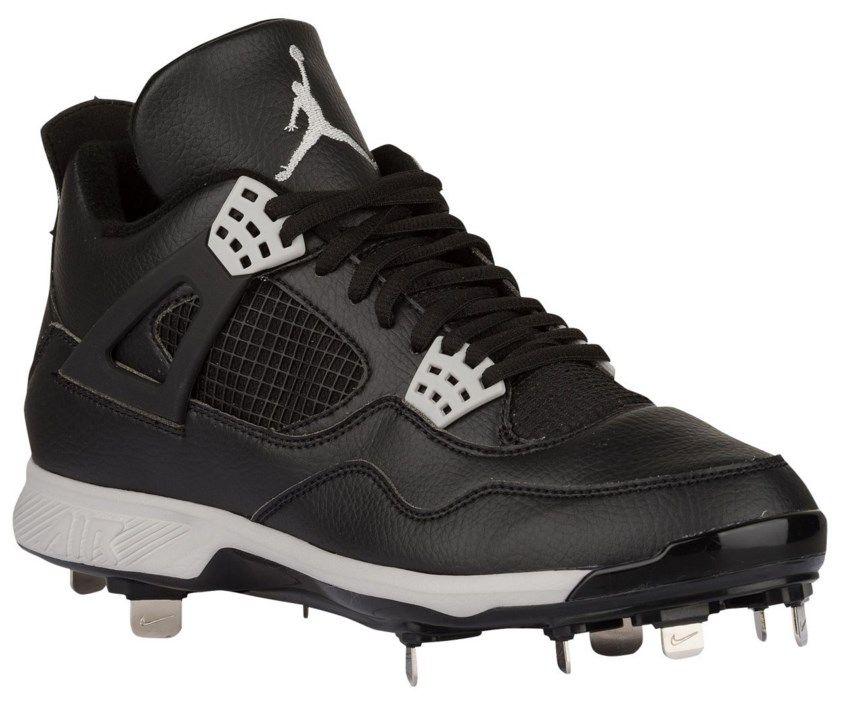 What Pros Wear: Jordan 4 Cleats Released