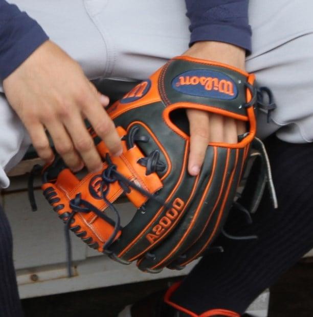 jose-altuve-wilson-a2000-glove