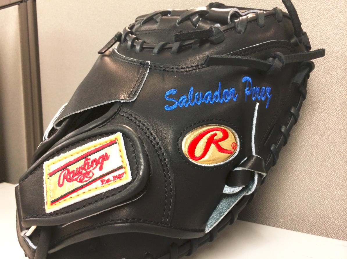 What Pros Wear Salvador Perez Rawlings Heart Of The Hide Prosp13b