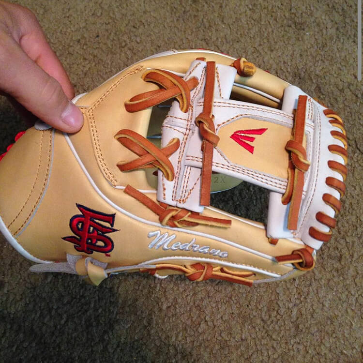@_franchise_'s Easton Mako Glove (Fresno State)
