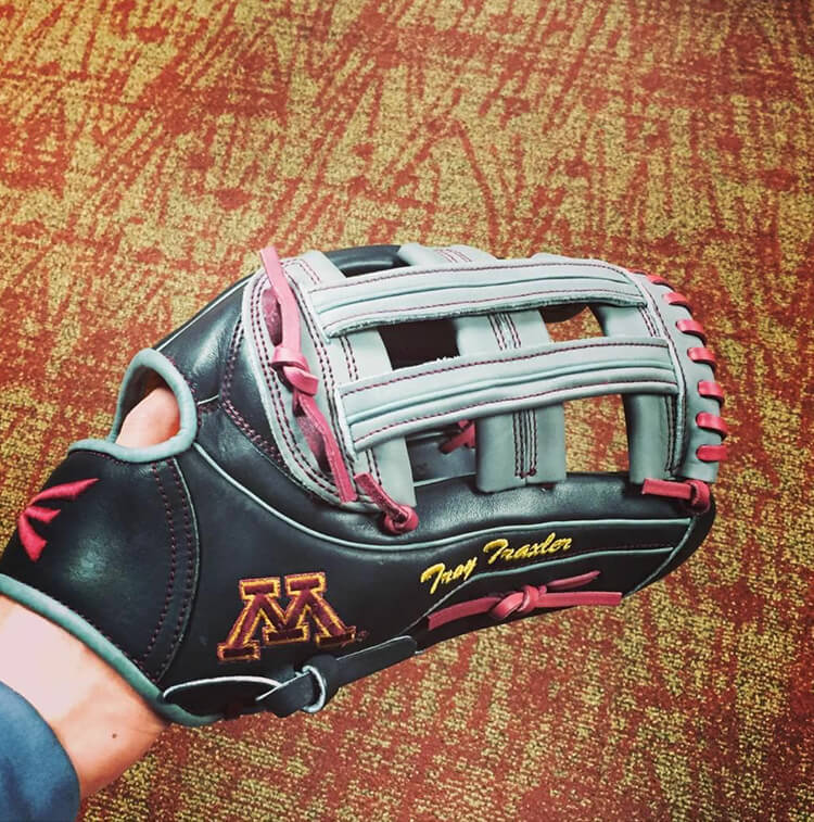 @traxler_23's Easton Mako Glove (Minnesota)