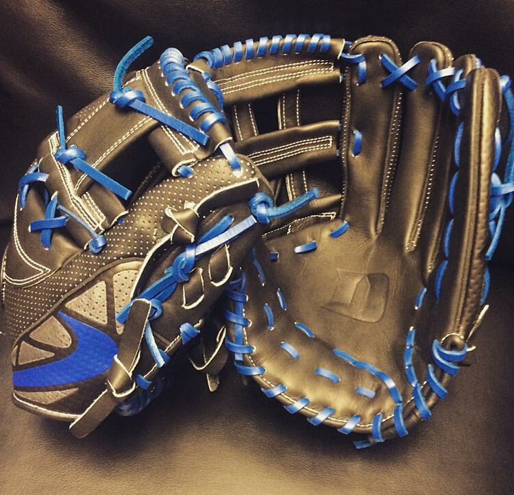 Duke's Nike MVP Select Gloves