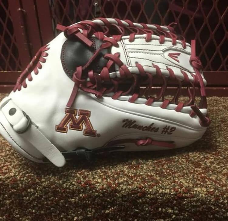 Easton Mako Glove (Minnesota)