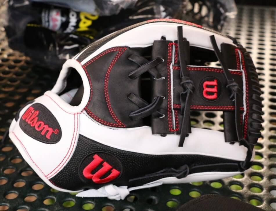 Wilson A2000 1786 Superskin Glove
