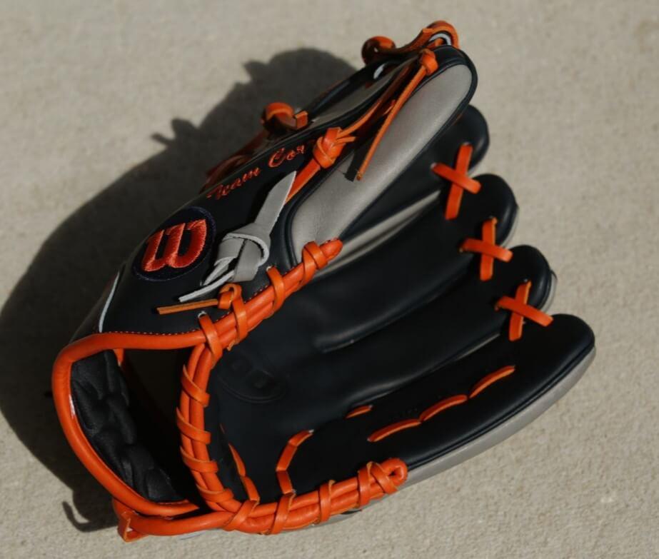 Carlos Correa Wilson A2000 CC1 Glove 3