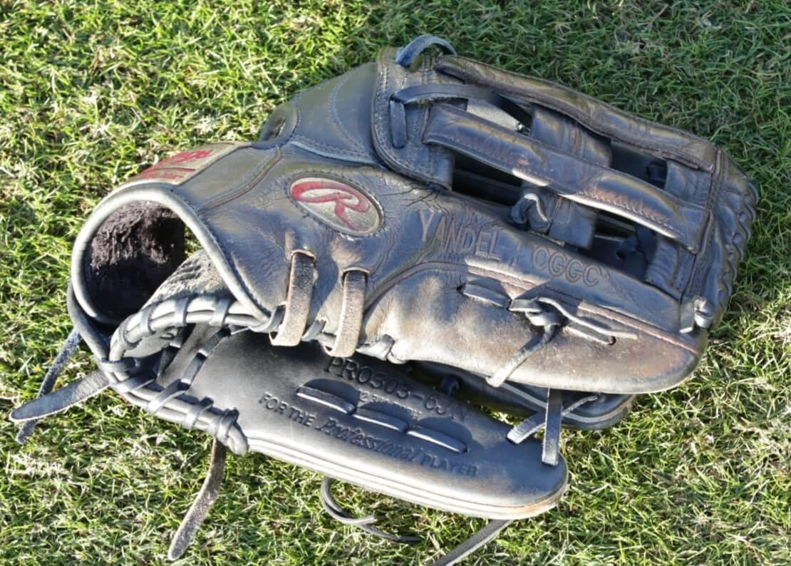 Carlos Gomez Rawlings Heart of the Hide PRO303-6JN Glove