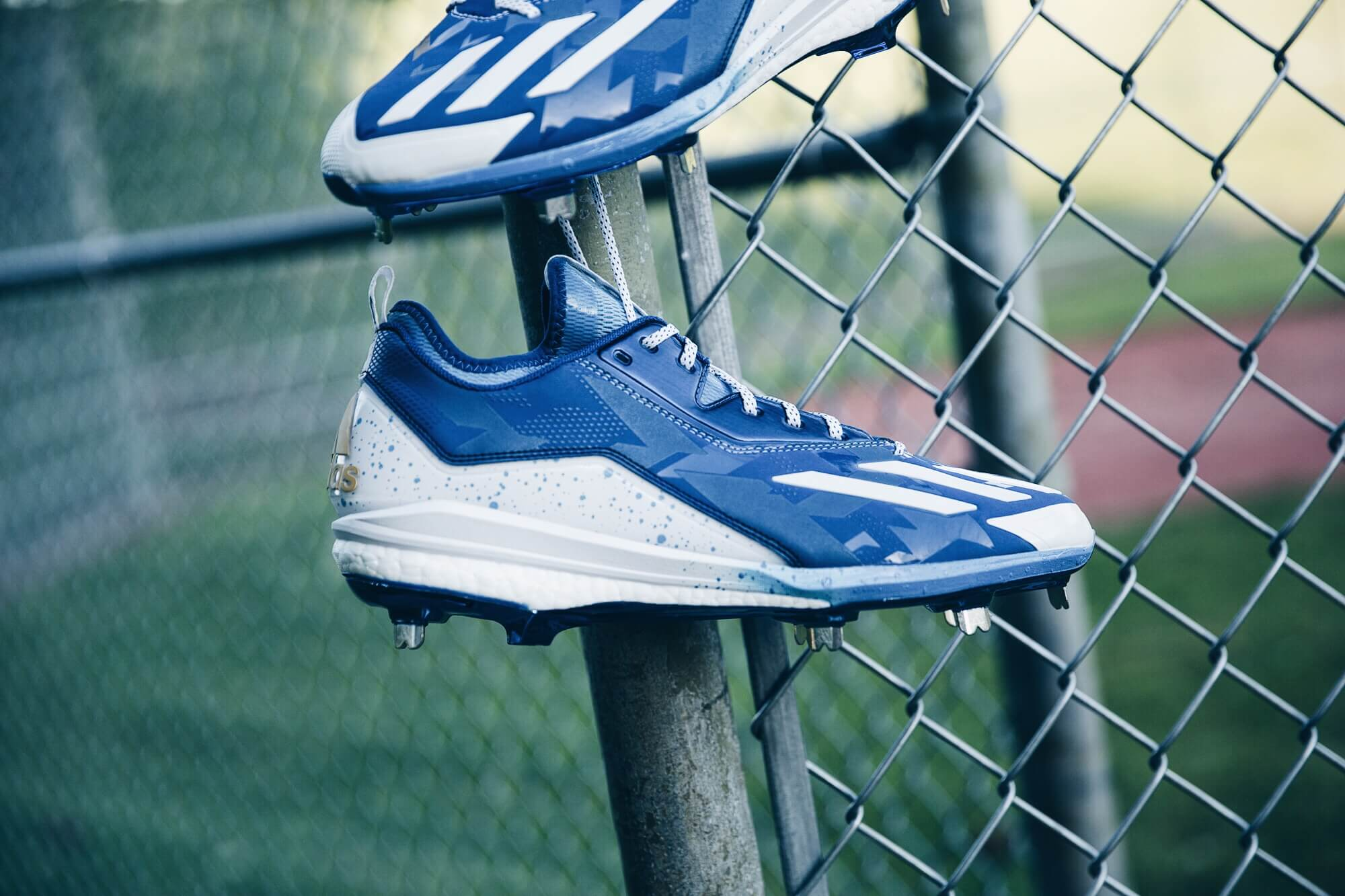 uk availability f14a9 12b00 Mike Moustakas adidas Cleats