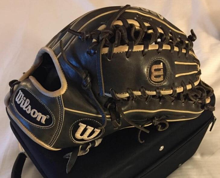 Corey Hassel Oklahoma State Wilson OT6 Glove