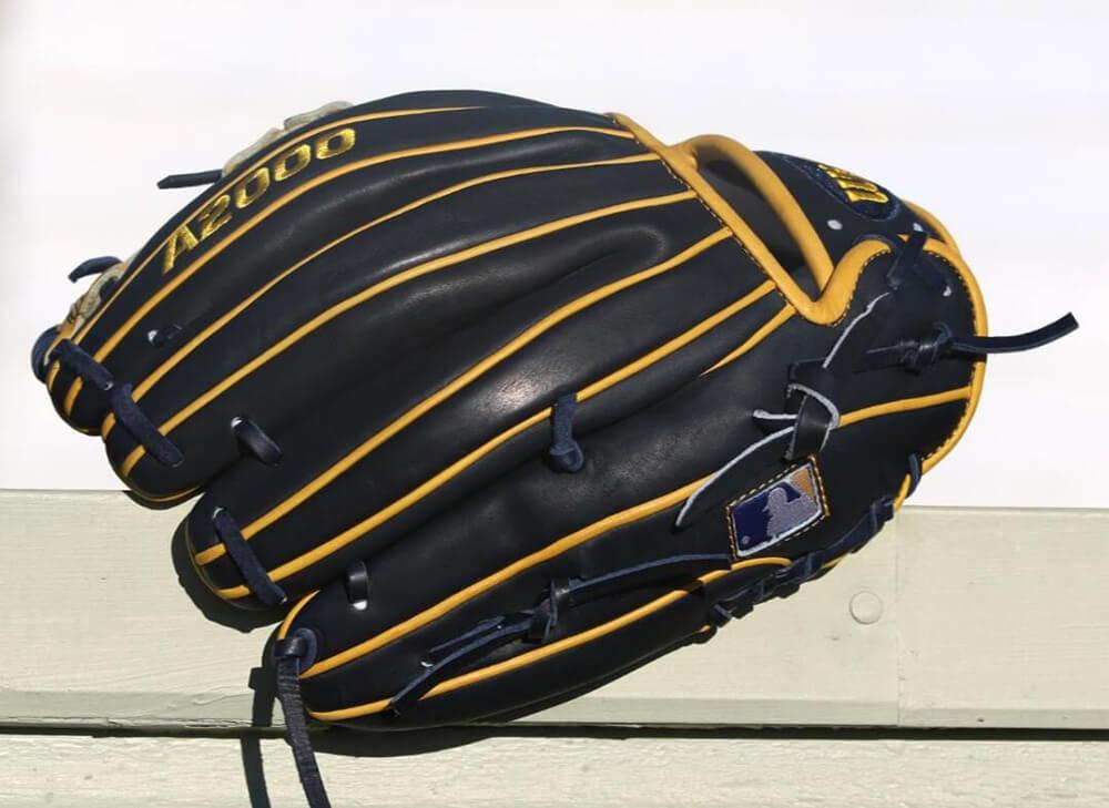 Wilson A2000 1786 San Diego All Star Glove 9