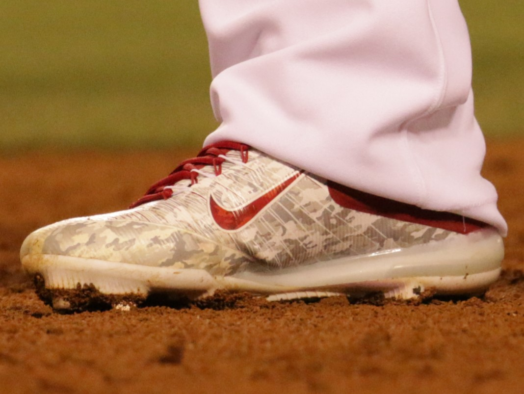 What Pros Wear Mike Trout S Nike Zoom Trout 3 Cleats What