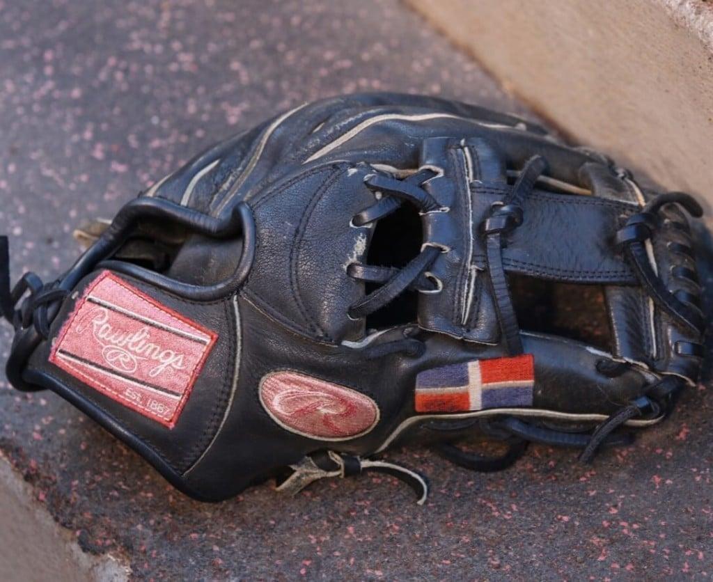 Adrian Beltre Rawlings Glove 3