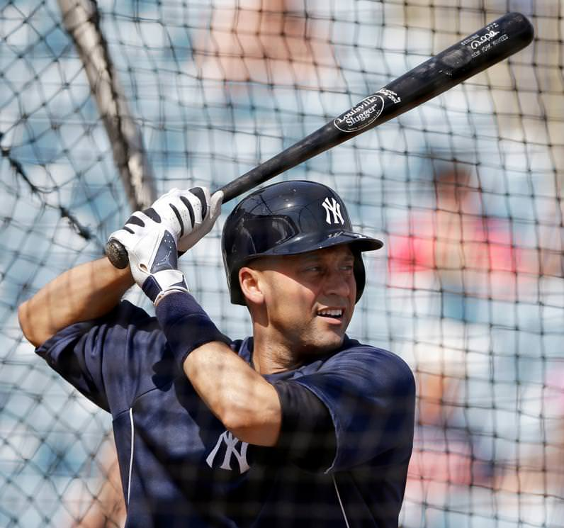 jeter-batting-gloves-shot