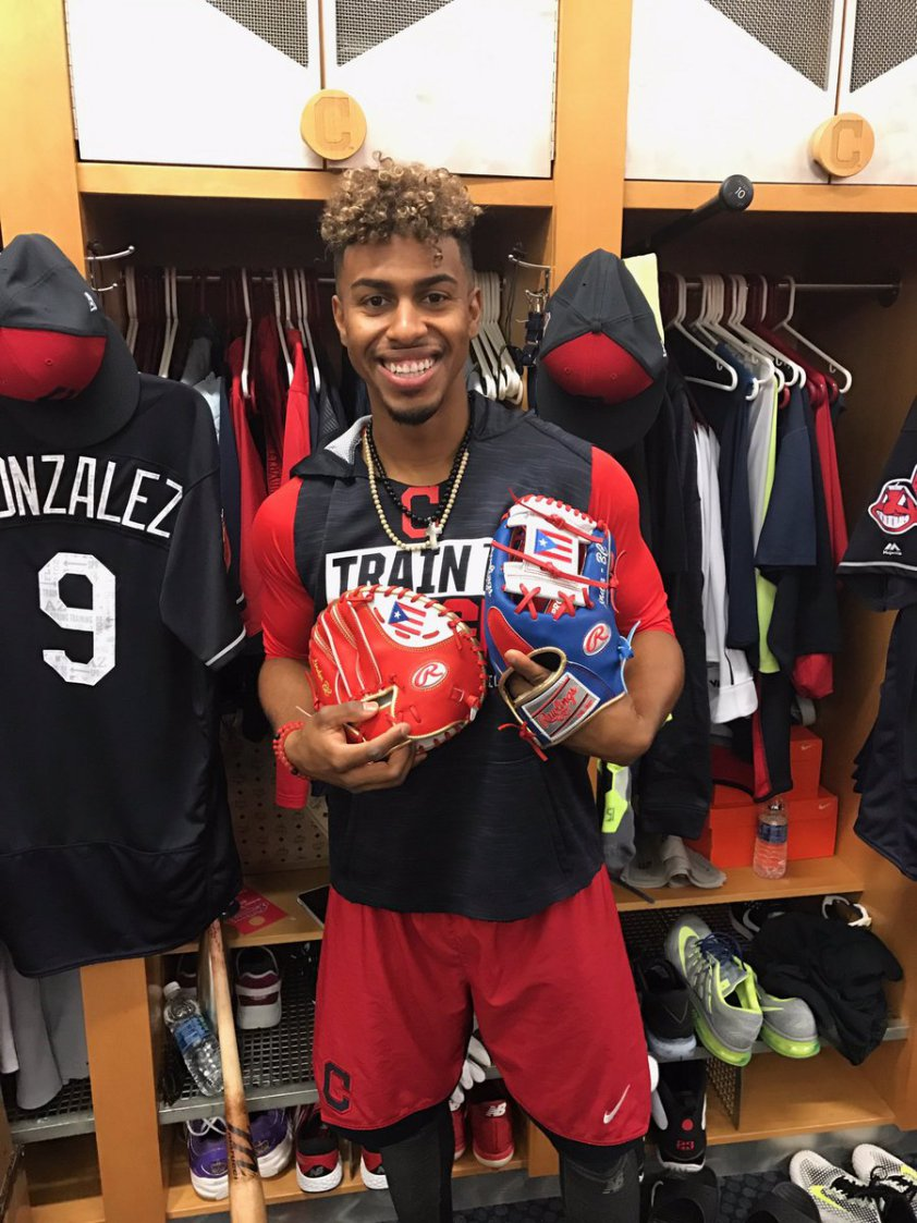 francisco-lindor-wbc-glove