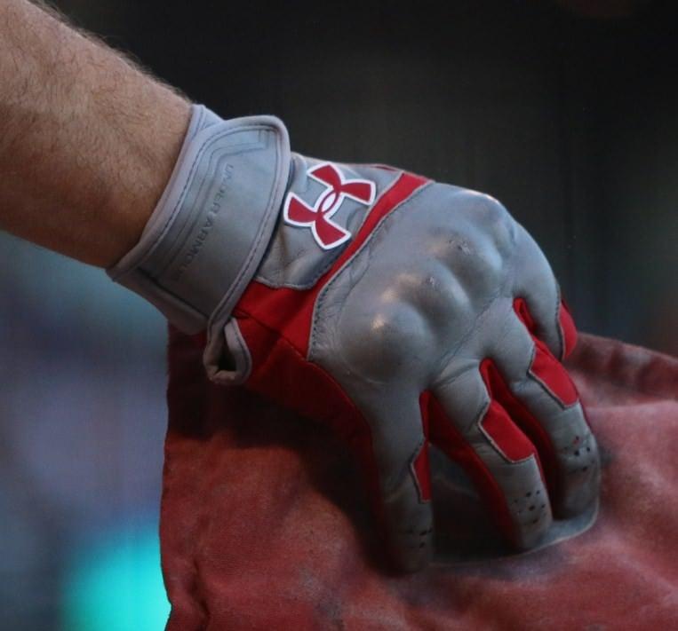 aj-pollock-under-armour-batting-gloves-armor