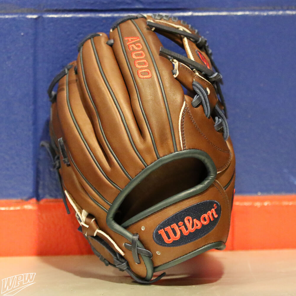Dansby Swanson Glove 2