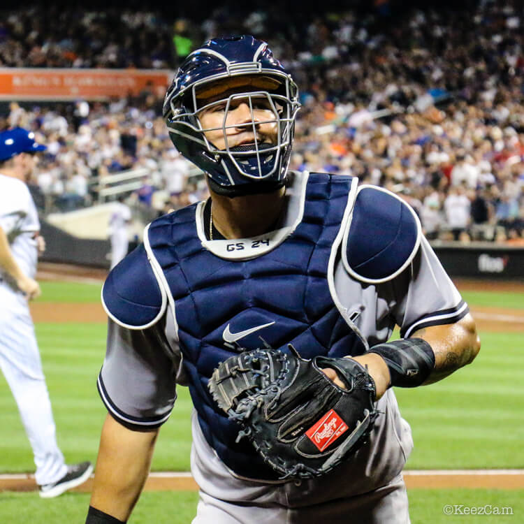 Gary Sanchez Glove 2