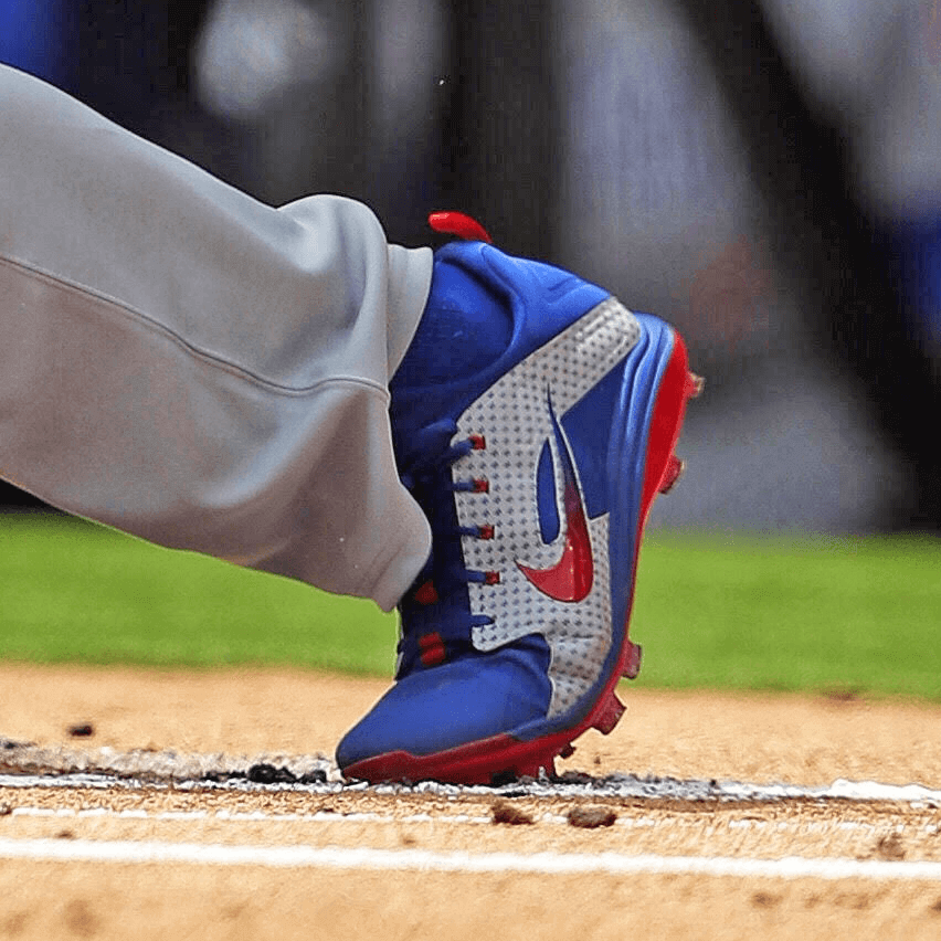 What Pros Wear Anthony Rizzo s Nike Alpha Huarache Elite Low Cleats ... 49754a122
