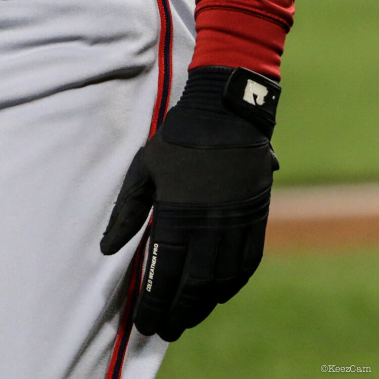ee9ab16c3 What Pros Wear: Cold-Weather Baseball Gear: 6 Products that Help ...