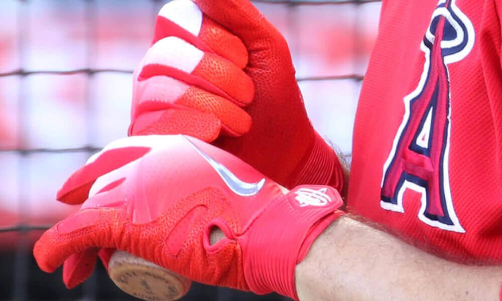 What Pros Wear: Ian Kinsler's Nike Huarache Elite Batting Gloves ...