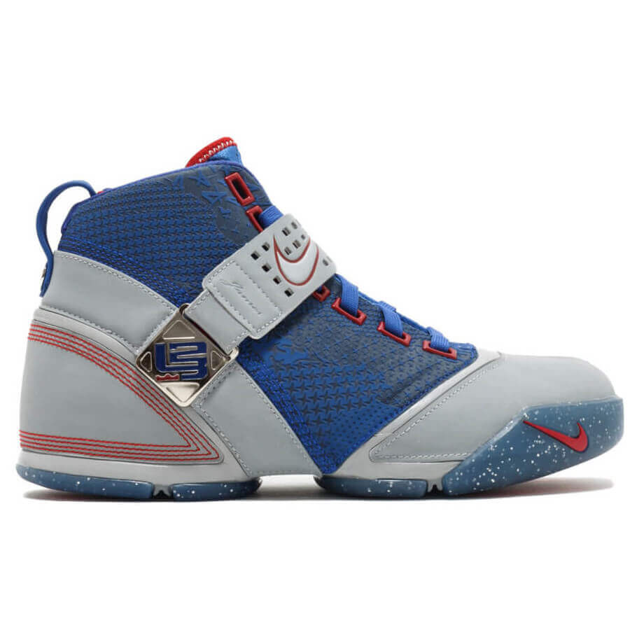 sports shoes 9824c 80c85 What Pros Wear: Lebron James' Nike Lebron 5 Shoes - What ...