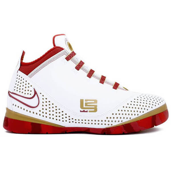pick up e1b9a 477ee What Pros Wear: Lebron James' Nike Zoom Soldier 2 Shoes ...