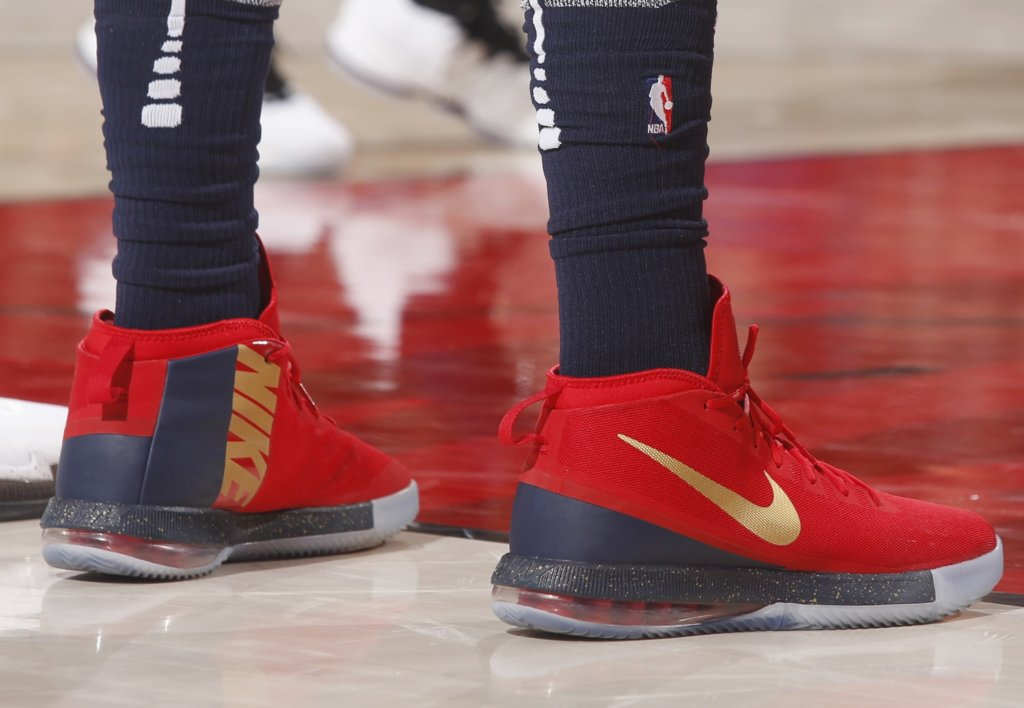 What Pros Wear: Anthony Davis' Nike Air Max Dominate Shoes