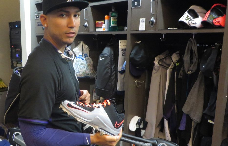 What Pros Wear: Carlos Gonzalez' Nike Air Max MVP Elite 2