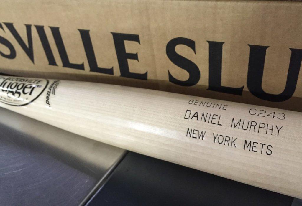 What Pros Wear: Daniel Murphy's Louisville Slugger C243