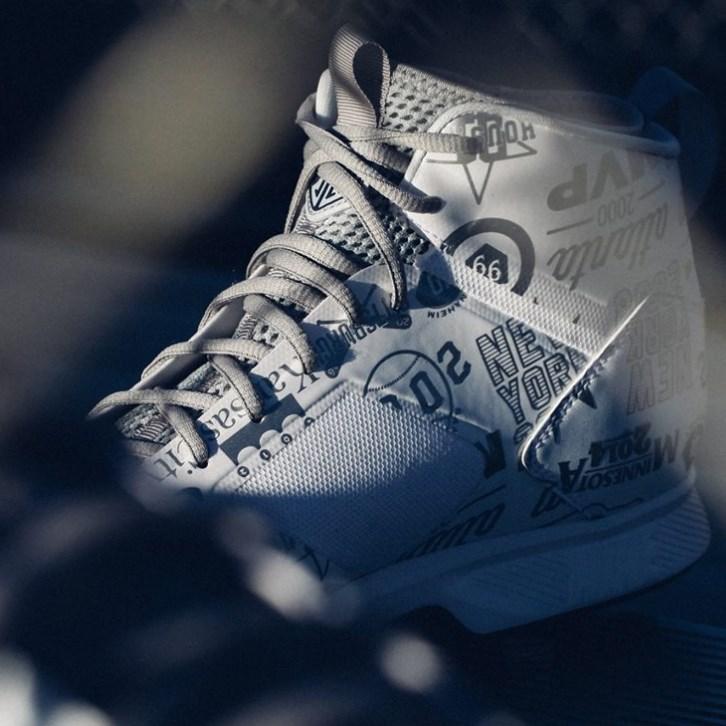 Derek Jeter's Jordan Jeter Lux Metal Cleats