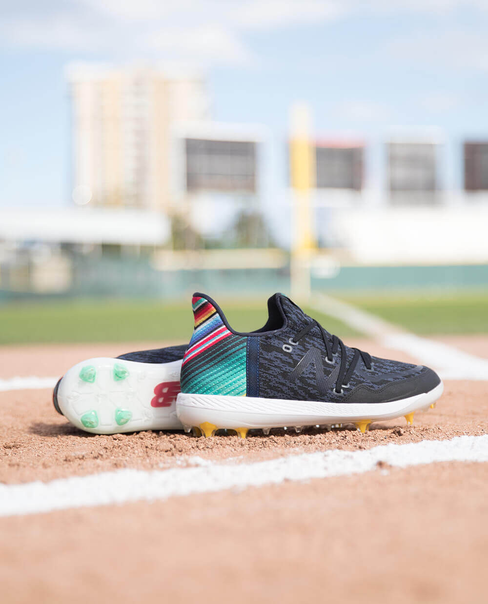9b1a2546734e9 Built for one of the most exciting players in the game, the new design  carries over many of the same features from Lindor's previous cleat, the  COMPv1.