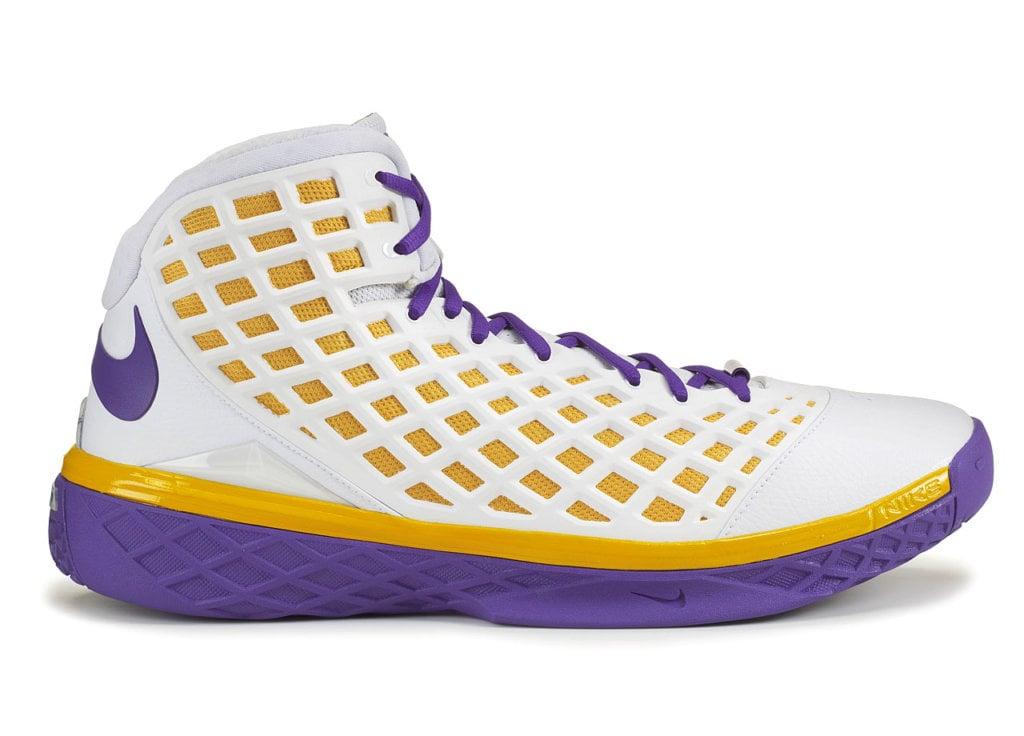 Kobe Bryant's Nike Zoom Kobe 3 Shoes