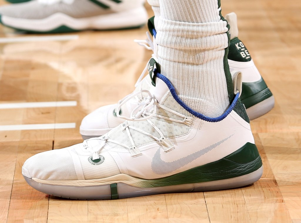 sports shoes 6fecd c2afe What Pros Wear: Giannis Antetokounmpo's Nike Kobe AD 2018 ...