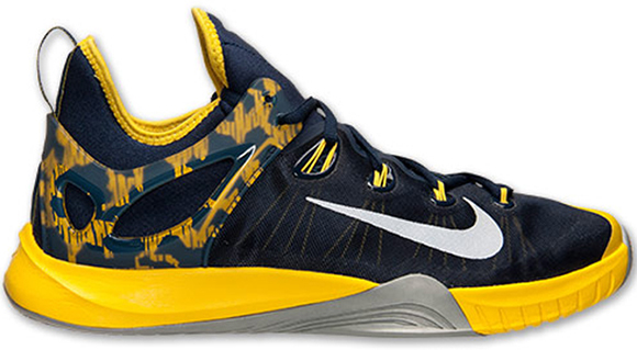 4c74d38c9f19a One of the many styles Paul George rocked during the comeback 2015-16  season was the Nike Hyperrev 2015. Of course