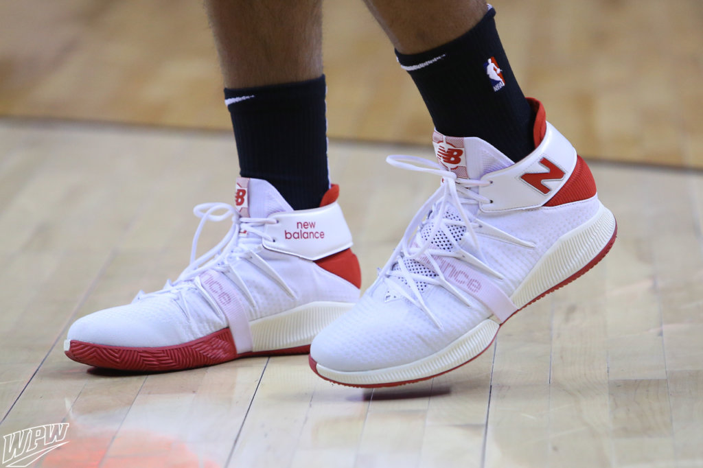 What Pros Wear: Kawhi Leonard's New Balance OMN1S Shoes