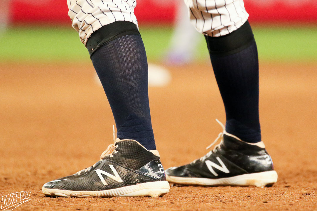 0421cef831d8c LeMahieu has been faithful to the New Balance 4040 series of cleats,  currently wearing the 4040v4 Mid in ...