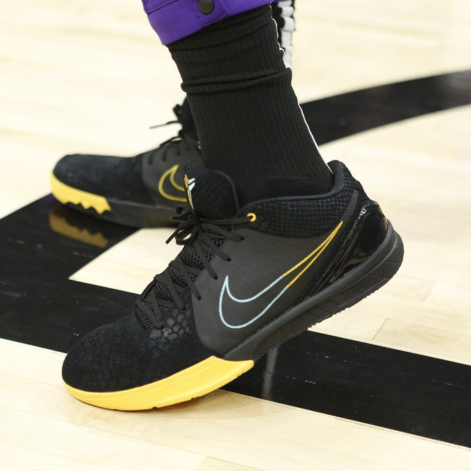 What Pros Wear Anthony Davis Nike Kobe 4 Protro Shoes