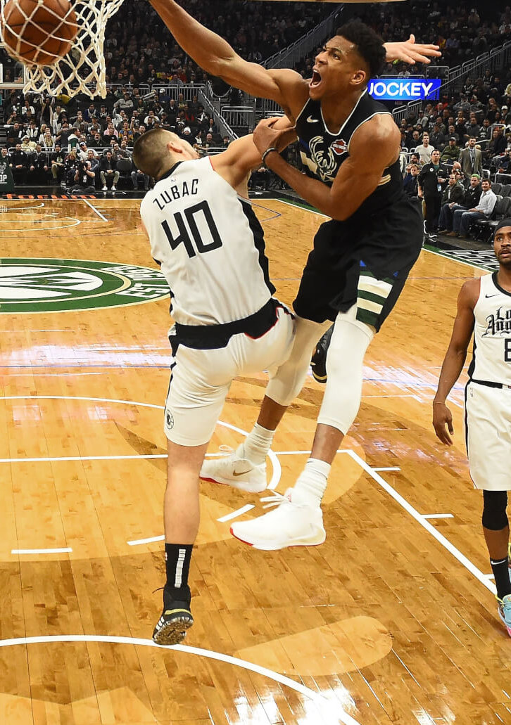 What Pros Wear: Giannis Antetokounmpo Hammers Dunk Over ...
