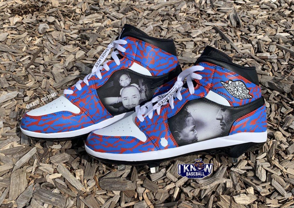 Mookie Betts' First LA Custom Cleats